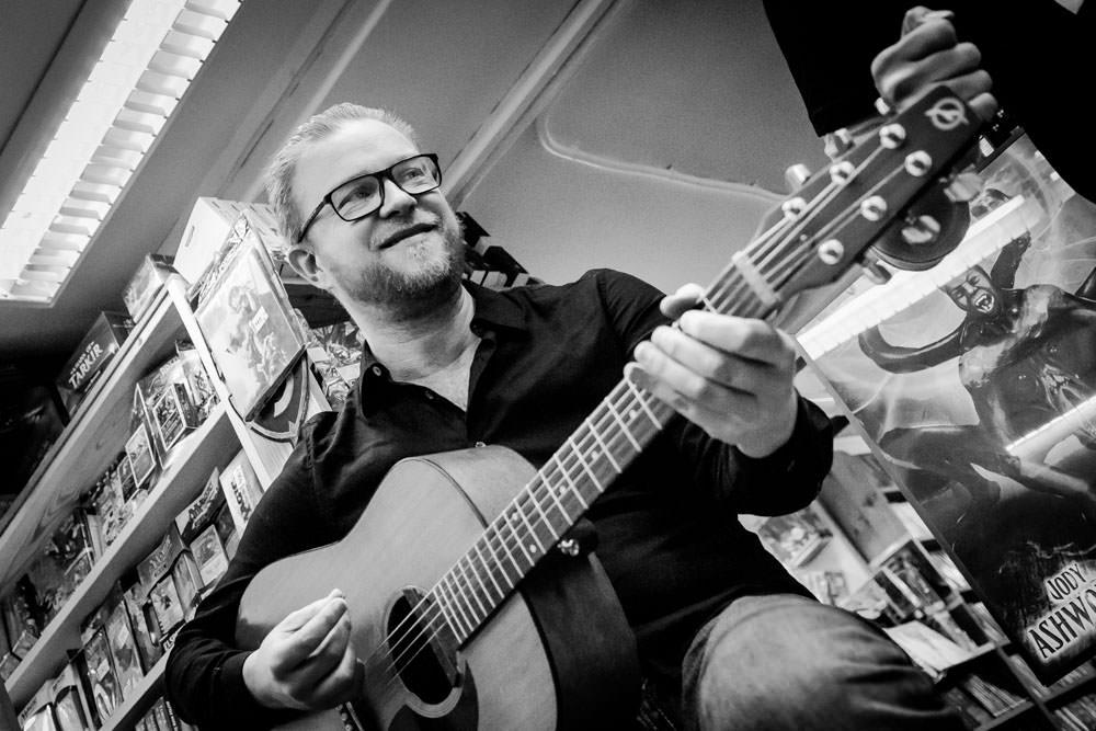 anders ringman acoustic guitar